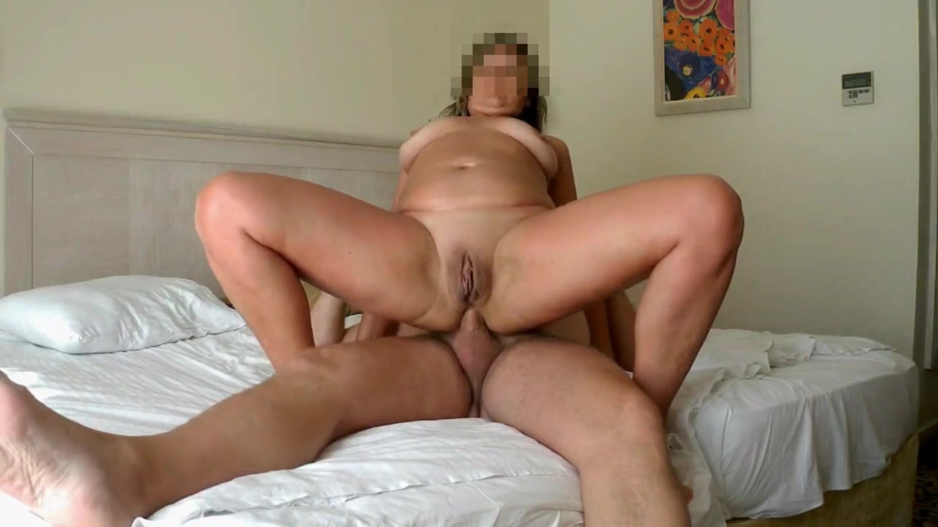 Amateur Loves Huge Cock
